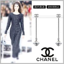 CHANEL 17/18 AW diamond on CC logo with pearl planet drop earrings