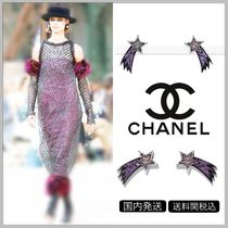 CHANEL Shooting star shape with metal & glittered resin earrings
