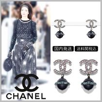 CHANEL 17/18 AW diamond on CC logo with black pearl drop earrings