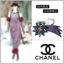 CHANEL 17/18 AW collection star shape bag charm