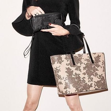 777ddaefff1c usa michael kors totes flower patterns a4 leather elegant style totes 113fc  66ecb