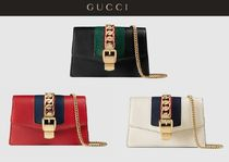 GUCCI Sylvie Bi-color Chain Plain Leather Elegant Style Shoulder Bags