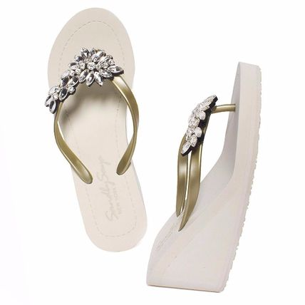 Open Toe Handmade Flip Flops PVC Clothing With Jewels