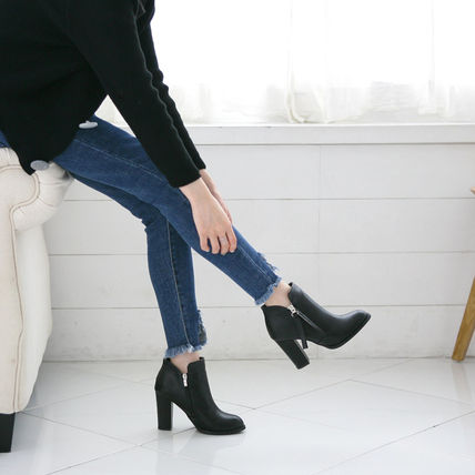 Ankle & Booties Round Toe Faux Fur Street Style Plain Block Heels 7