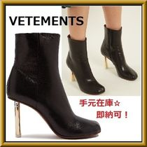 VETEMENTS Round Toe Casual Style Street Style Plain Leather