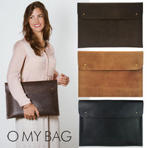O MY BAG Unisex A4 Plain Leather Clutches
