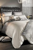 Kylie Minogue at home Comforter Covers Duvet Covers