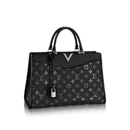 485883c063c7 Louis Vuitton Totes VERY ZIPPED TOTE  London department store new item  2  ...