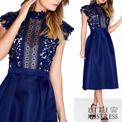Sleeveless Flared Medium Party Style High-Neck Lace Dresses