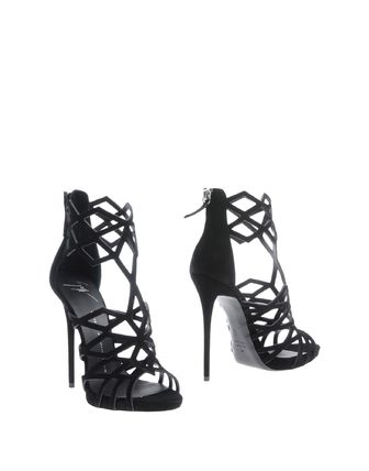 Womens More Shoes