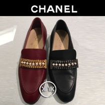 CHANEL Plain Leather Elegant Style Bold Loafer & Moccasin Shoes