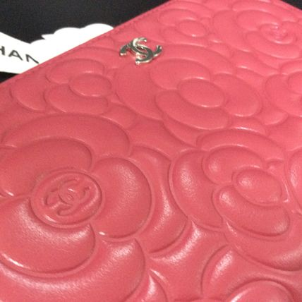 CHANEL ICON 2017-18AW Flower Patterns Leather Long Wallets by ... bd8cc546687