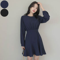 Casual Style Flared U-Neck Long Sleeves Plain Medium Dresses