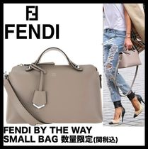 FENDI Casual Style Handbags