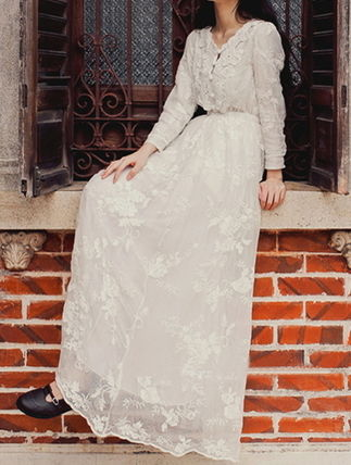 Flower Patterns Flared U-Neck Long Sleeves Long Lace