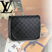 Louis Vuitton DAMIER GRAPHITE DAMIER GRAPHITE HANGING TOILETRY KIT