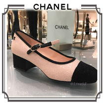 CHANEL Square Toe Bi-color Elegant Style Chunky Heels Pumps & Mules