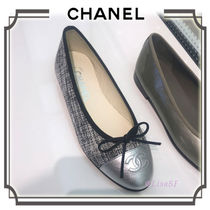 CHANEL Round Toe Elegant Style Ballet Shoes