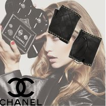CHANEL Plain Leather Elegant Style Leather & Faux Leather Gloves