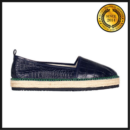 Round Toe Rubber Sole Casual Style Leather Slip-On Shoes