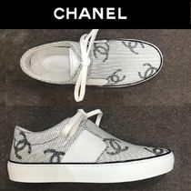CHANEL Platform Casual Style Bi-color Platform & Wedge Sneakers
