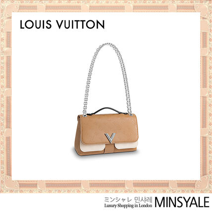 891e6bae5e4 ... Louis Vuitton Shoulder Bags VERY CHAIN BAG  London department store new  item  ...