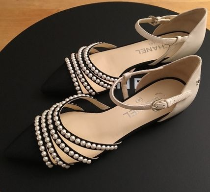CHANEL Pointed Toe Blended Fabrics Plain Leather With Jewels Elegant Style 5