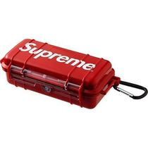 Supreme Street Style Collaboration HOME