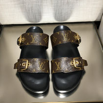 Louis Vuitton MONOGRAM Monoglam Open Toe Casual Style Footbed Sandals Flat Sandals