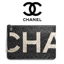 CHANEL Clutches