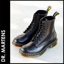 Dr Martens Round Toe Lace-up Casual Style Unisex Street Style Plain