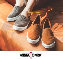 Minnetonka Round Toe Rubber Sole Casual Style Suede Street Style Plain