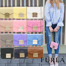 FURLA METROPOLIS Casual Style Saffiano Chain Plain Home Party Ideas