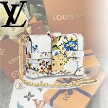 Louis Vuitton EPI Epi ESSENTIAL TRUNK Clutches