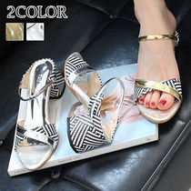 Other Check Patterns Round Toe Enamel Street Style
