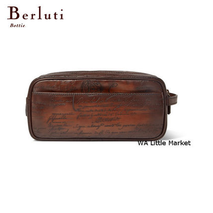 Unisex Leather Pouches & Cosmetic Bags