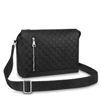 Louis Vuitton DAMIER INFINI Discovery Messenger Pm