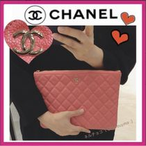 CHANEL MATELASSE Casual Style Calfskin Bag in Bag Plain Clutches