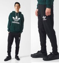 adidas Joggers & Sweatpants