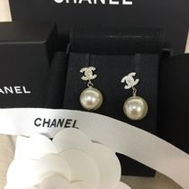 CHANEL ICON Costume Jewelry Party Style Brass With Jewels