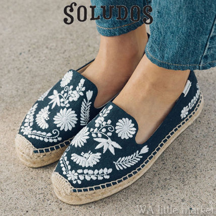 Flower Patterns Round Toe Casual Style Sandals