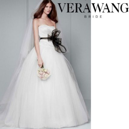 0f16c95189e Vera Wang 2018 SS Wedding Dresses by YellowGirl - BUYMA