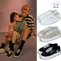 23.65 Unisex Street Style Plain PVC Clothing Oversized Sneakers