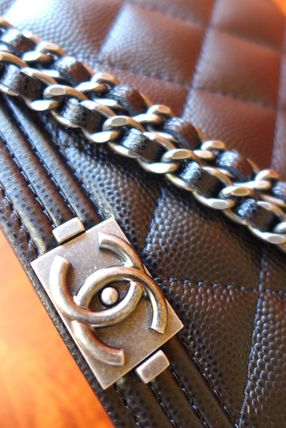 CHANEL Shoulder Bags Casual Style Leather Shoulder Bags 3