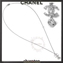 CHANEL ICON Costume Jewelry Chain With Jewels Elegant Style