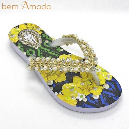Tropical Patterns Flip Flops With Jewels Flat Sandals