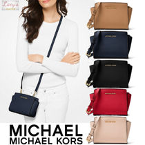Michael Kors SELMA Casual Style Street Style Plain Leather Shoulder Bags