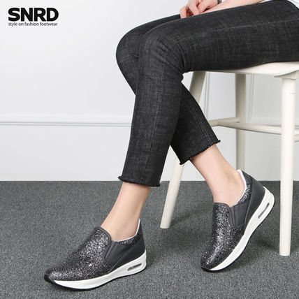 Round Toe Rubber Sole Casual Style Slip-On Shoes