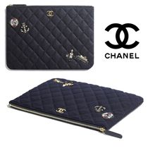 CHANEL MATELASSE Casual Style Clutches