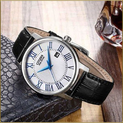 Leather Round Quartz Watches Office Style Analog Watches